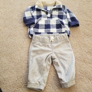 Carter's plaid sweatshirt and pants set. 3months